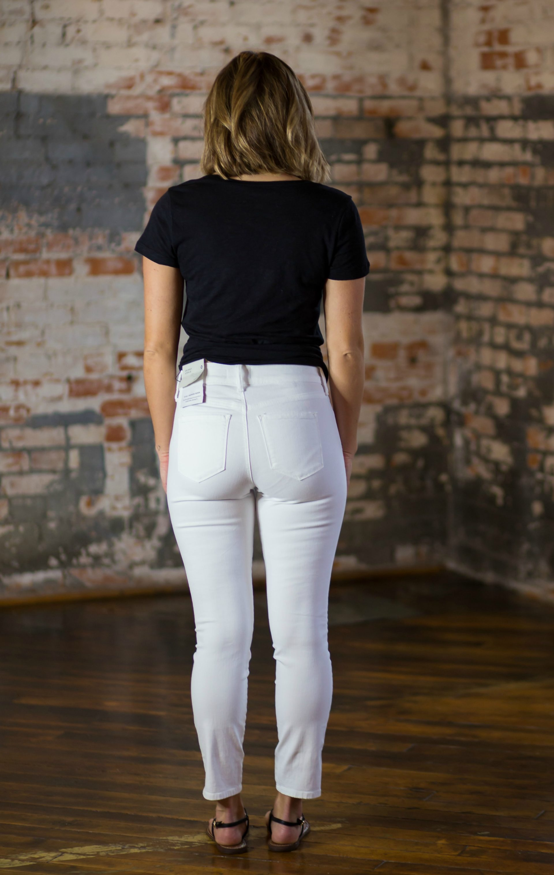 b8124732f9d The Best White Jeans  10 Pairs Put To The Test  - Living in Yellow